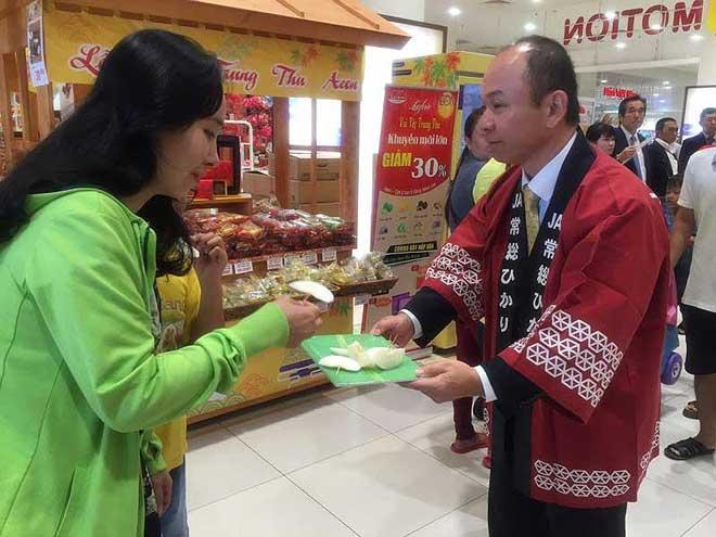 Giám đốc người Nhật bán cua, nước tương… ở Việt Nam - 1