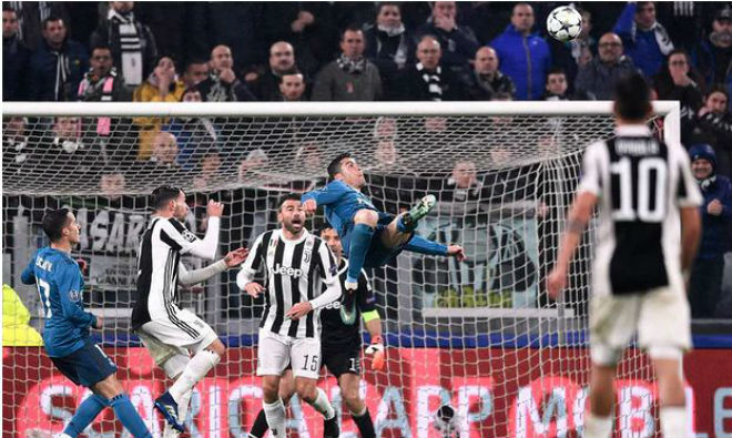 Ronaldo hủy diệt Juventus: Mất tích phòng thay đồ, bị nghi phải kiểm tra doping - 2
