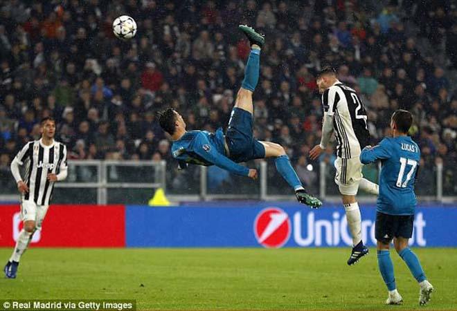 Ronaldo - Thiên tài khổ luyện: Hơn đứt Rooney mập mạp, Lavezzi hám tiền - 1
