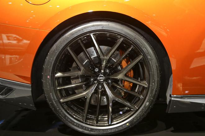 """""""Quái vật"""" Nissan GT-R Godzilla ra mắt, giá hơn 2,1 tỷ đồng - 6"""