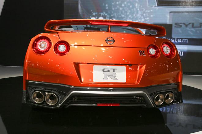 """""""Quái vật"""" Nissan GT-R Godzilla ra mắt, giá hơn 2,1 tỷ đồng - 3"""