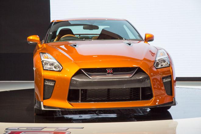 """""""Quái vật"""" Nissan GT-R Godzilla ra mắt, giá hơn 2,1 tỷ đồng - 1"""