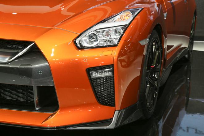 """""""Quái vật"""" Nissan GT-R Godzilla ra mắt, giá hơn 2,1 tỷ đồng - 8"""