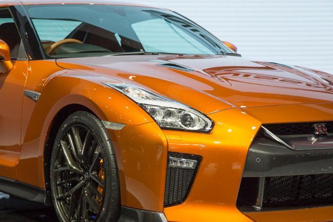 """""""Quái vật"""" Nissan GT-R Godzilla ra mắt, giá hơn 2,1 tỷ đồng - 10"""