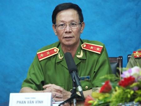 Khởi tố nguyên Tổng cục trưởng Tổng cục Cảnh sát Phan Văn Vĩnh - 2