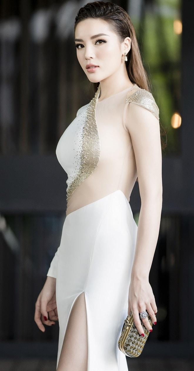 Hoa hậu Kỳ Duyên thừa nhận nâng ngực vì tự ti - 1
