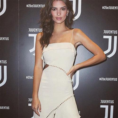 """Nhờ đâu """"fan cuồng Juventus"""" tự tin nude trong hàng trăm bức ảnh? - 2"""