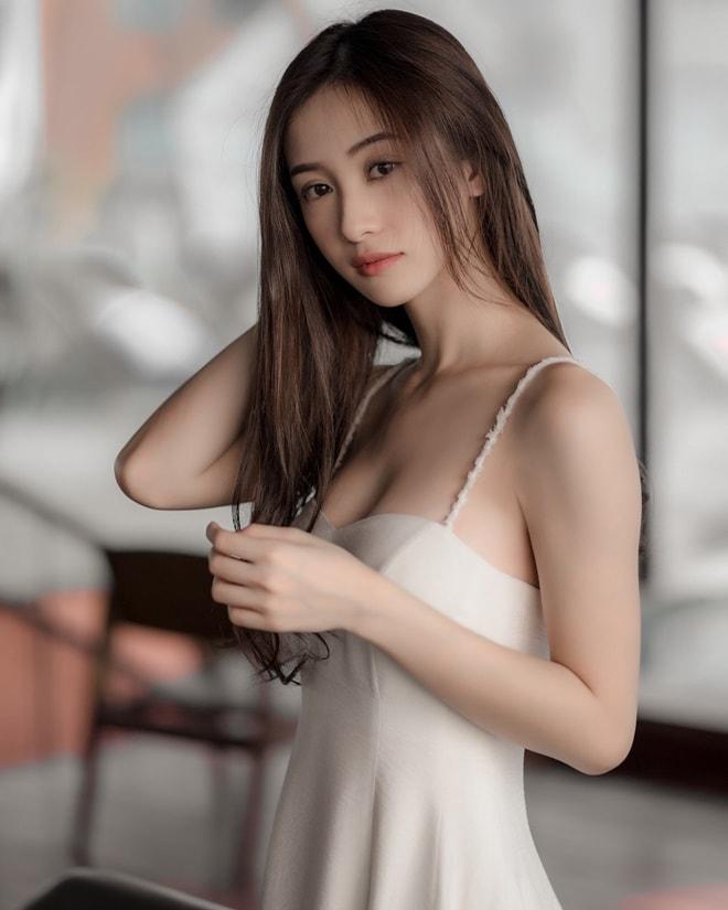 """Hot girl trà sữa Việt: """"Tôi không hối hận vì đã nâng ngực"""" - 2"""