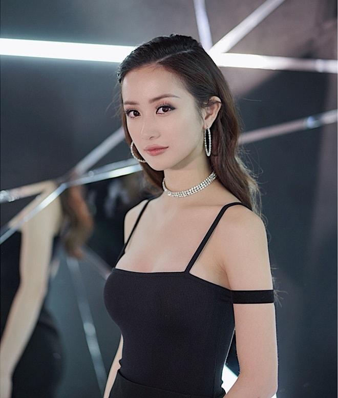 """Hot girl trà sữa Việt: """"Tôi không hối hận vì đã nâng ngực"""" - 3"""
