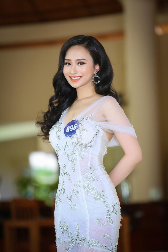 Tình cũ 3 năm của Lê Hiếu: Cô gái đẹp nổi bật ở Hoa hậu Biển Việt Nam toàn cầu - 14