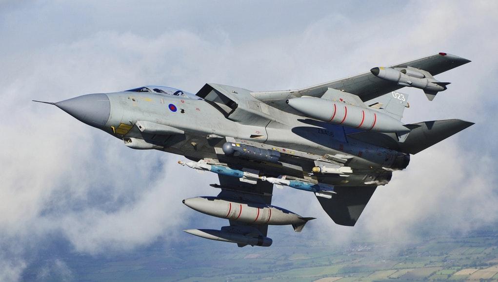 Mỹ, Anh, Pháp đồng loạt dội lửa tấn công Syria - 3