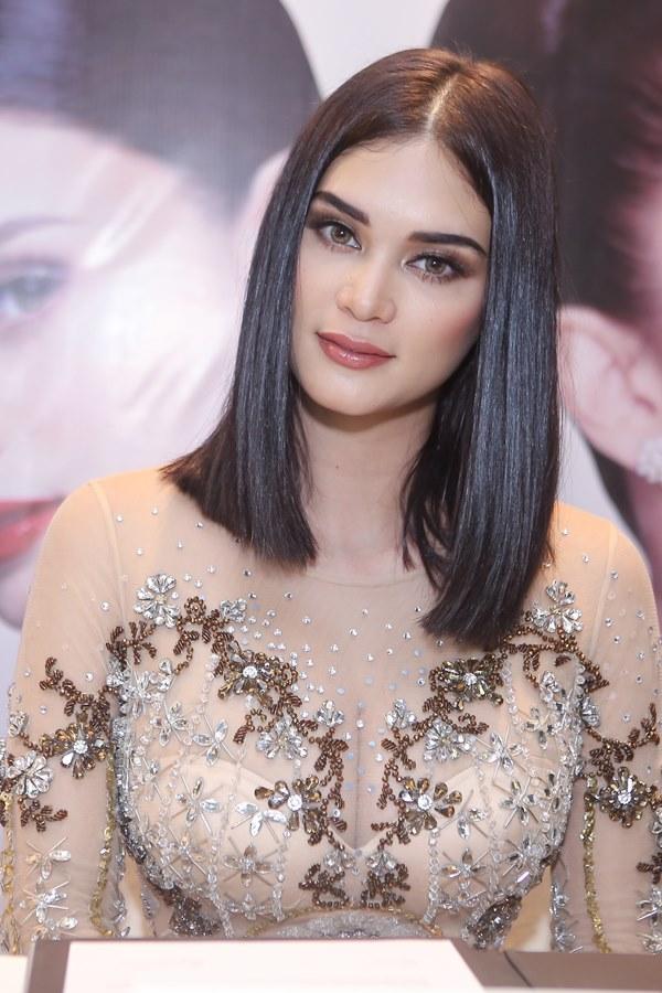Hoa hậu đẹp nhất thế giới 2013 lộng lẫy ở Việt Nam - 4