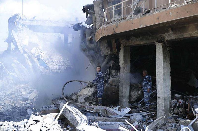Hình ảnh tan hoang ở khu vực chứa vũ khí hóa học của Syria - 6