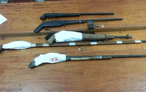 Trốn nã 13 năm, bị bắt trong rừng sâu cùng 5 khẩu súng - 2
