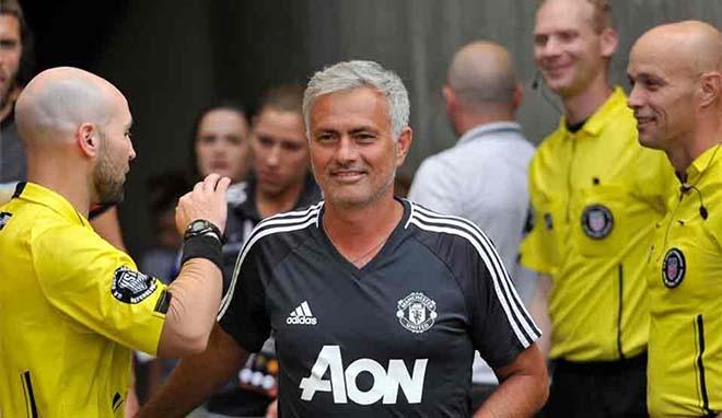 Sir Alex làm điệp viên, MU nhắm siêu HLV quật ngã Barca, thay Mourinho - 3