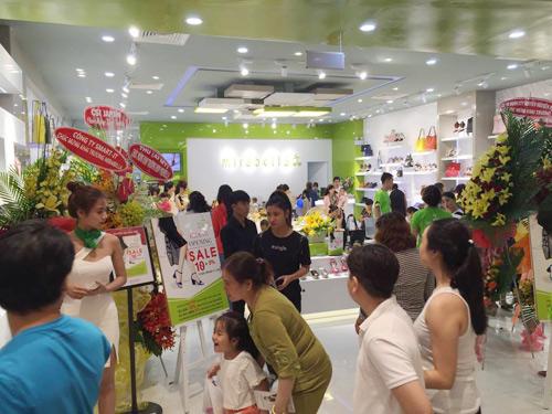 Mirabella 'khuấy động' Aeon Mall Bình Tân ngày khai trương - 10