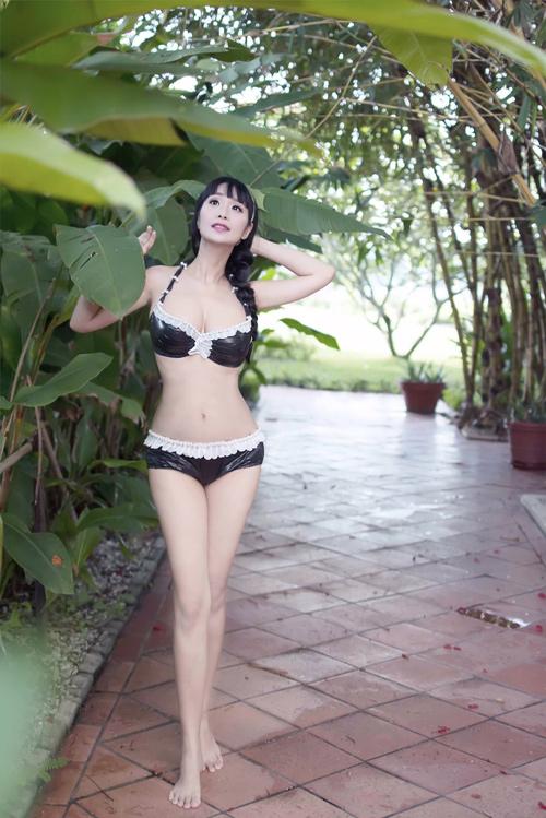Lê Kiều Như mặc bikini tự thiết kế từ túi đựng rác - 13