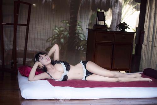 Lê Kiều Như mặc bikini tự thiết kế từ túi đựng rác - 12