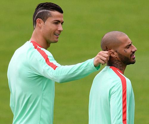 Tin nhanh Euro 6/7: Xứ Wales mơ gặp Đức chung kết