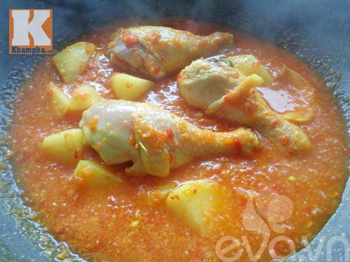 Gà hầm sốt cà chua ngon cơm ngày mát trời - 6