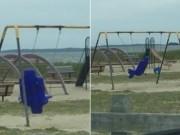 Phi thường - kỳ quặc - Video: Xích đu 'ma' tự đu đưa trong công viên bỏ hoang