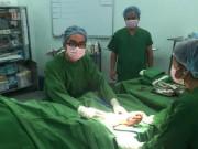 Sức khỏe đời sống - Mổ cấp cứu xuyên đêm vá tim cho bệnh nhân