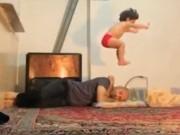 Video Clip Cười - Clip hài: Một ngày tập gym của bé 2 tuổi