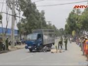 Video An ninh - Đi khám bệnh, nam công nhân bị xe tải đâm chết