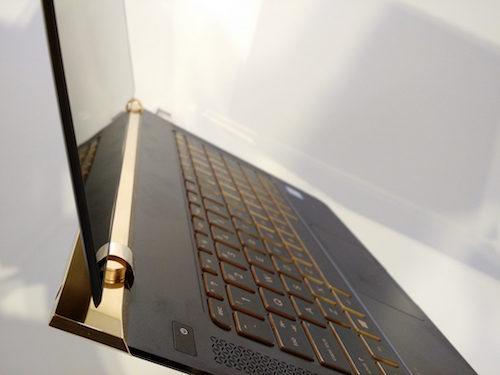 HP giới thiệu laptop mỏng nhất thế giới, giá 43 triệu đồng - 9