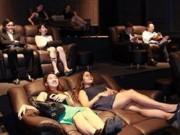 Phim - Hành vi phản cảm khi xem phim giường nằm có bị đuổi?