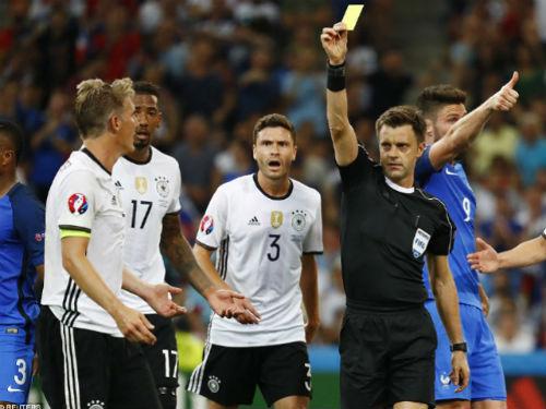 """UEFA dùng trọng tài Ý """"giúp"""" Pháp vào chung kết?"""
