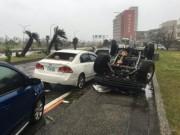 Thế giới - Siêu bão càn quét bờ biển Đài Loan, hướng sang TQ