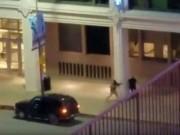 Thế giới - Mỹ: Đấu súng sau vụ bắn tỉa, cảnh sát bị bắn gục