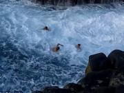 """Du lịch - Video: Mạo hiểm tìm cảm giác mạnh tại """"bể bơi tử thần"""""""