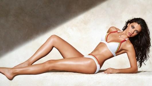 5 thiên thần nội y bày cách đẹp hoàn hảo với bikini - 1