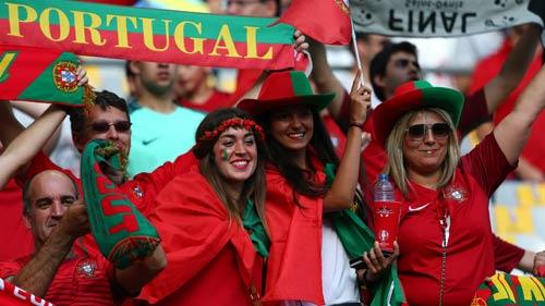 Stade de France rực lửa tiếp sức Pháp – Bồ Đào Nha