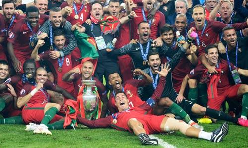 """Bồ Đào Nha vô địch """"xấu xí"""": Đó có phải là bóng đá"""