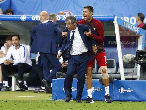 Sửng sốt hậu trường HLV Ronaldo 20 phút giúp BĐN vô địch - 1