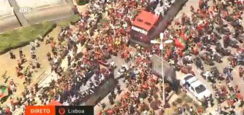 Biển người chào đón Bồ Đào Nha, Ronaldo ở quê nhà