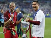 Bóng đá - Báo chí thế giới: Món quà tuyệt nhất cho Ronaldo