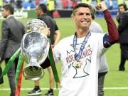 Bóng đá - 2 tháng, vô địch châu Âu 2 lần: Ronaldo chắc suất QBV