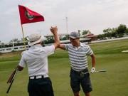 Thể thao - Golf 24/7: Khủng khiếp, 1 ngày đánh 153 hố