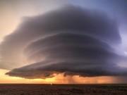 Phi thường - kỳ quặc - Mây giông khổng lồ hình đĩa bay che phủ bầu trời Mỹ