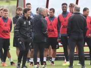 Bóng đá - MU, Chelsea tập buổi đầu: Hai tâm trạng trái ngược