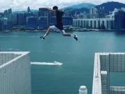 Phi thường - kỳ quặc - Video: Liều mạng nhảy qua khe giữa đỉnh 2 nhà chọc trời