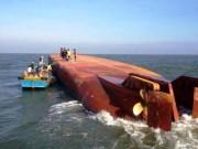Tin tức trong ngày - 4 người kêu cứu trên sà lan bị chìm ở biển Cần Giờ