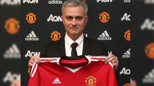 Đừng mơ MU chơi tấn công dưới thời Mourinho
