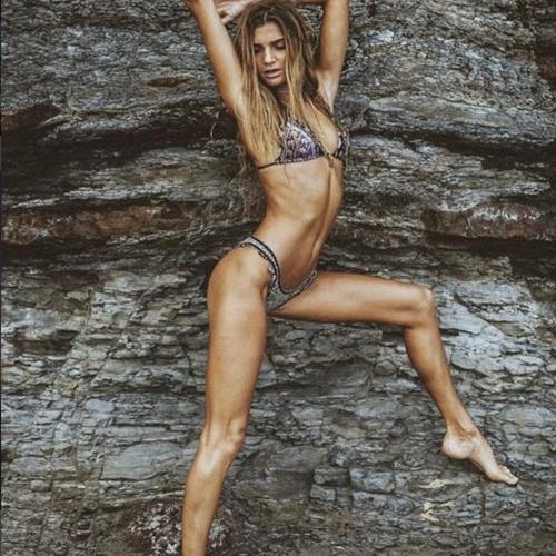 Ngất ngây với thân hình siêu mẫu của cô nàng mê yoga - 12