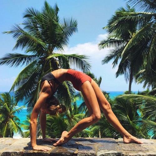 Ngất ngây với thân hình siêu mẫu của cô nàng mê yoga - 7