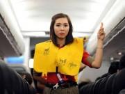 Tin tức trong ngày - Xử phạt hành khách tự ý sử dụng áo phao trên máy bay